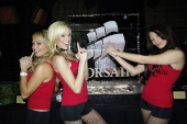 booth-babes-1025