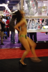 booth-babes-1054