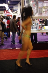 booth-babes-1055