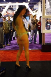 booth-babes-1058