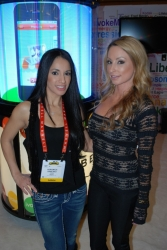ces-2012-booth-babes-day3-105