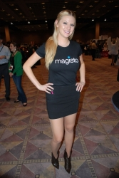 ces-2012-booth-babes-day1-02