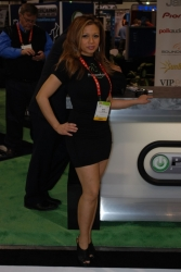 ces-2012-booth-babes-day1-10