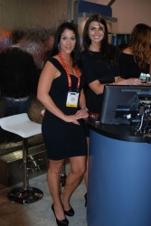 ces-2012-booth-babes-day1-22