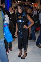 ces-2012-booth-babes-day1-27