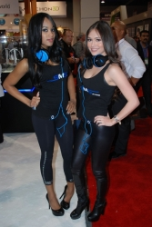 ces-2012-booth-babes-day1-28