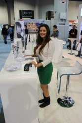 ces-booth-babes-2013-day1-005
