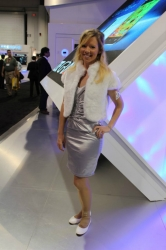 ces-booth-babes-2013-day1-009