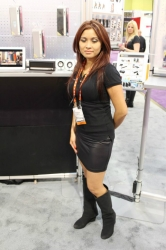 ces-booth-babes-2013-day1-013