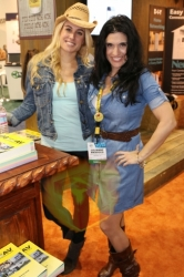 CES2015-boothbabes-gallery2-030