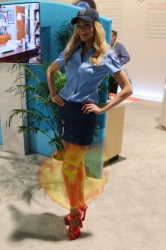 CES2015-boothbabes-gallery2-032