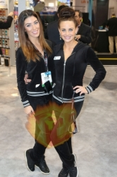 CES2015-boothbabes-gallery2-039