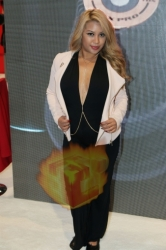 CES2015-boothbabes-gallery2-052