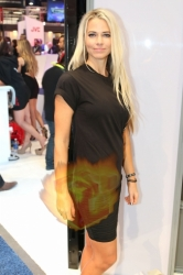 CES2015-boothbabes-gallery2-057