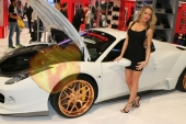 CES2015-boothbabes-gallery2-062