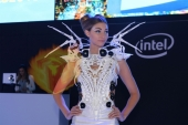 CES2015-boothbabes-gallery2-080