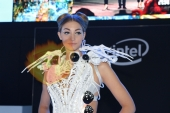 CES2015-boothbabes-gallery2-081