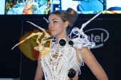CES2015-boothbabes-gallery2-085