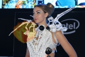 CES2015-boothbabes-gallery2-086