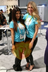 ces-booth-babe-day1-027